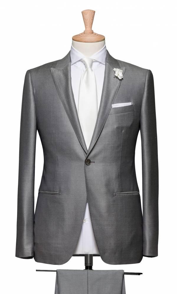 Весільний костюм
